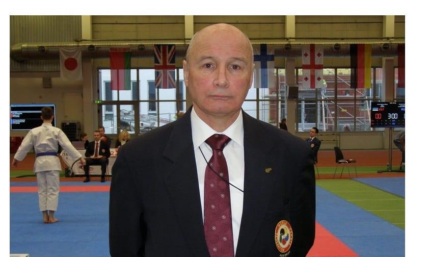 Юрий  Лахтиков